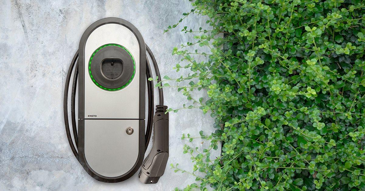 Samochody elektryczne - czy warto zainwestować w domową stację ładowania aut?